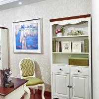 帶門自由儲物收納組合懷古典雅風格書房落地烤漆書柜