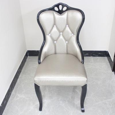 新款皮质休闲时尚椅子餐厅家具休闲软质舒适靠背奢华餐椅